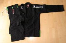 KRAKEN Bjj Gi Pro-Series Black im Test bei Gi World